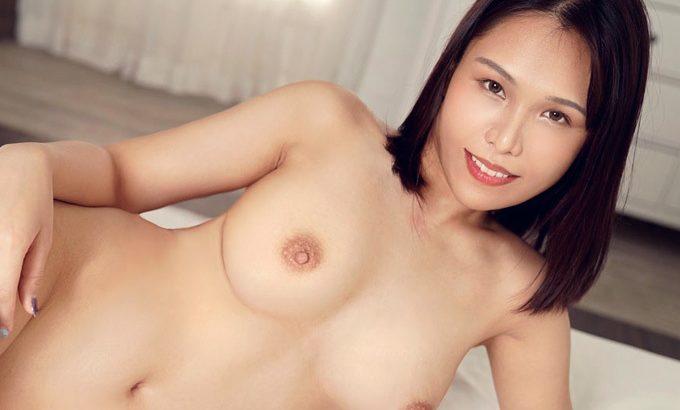 滝沢ジェシカ 男優も見上げるほどの長身お姉さんが乱れまくる絶叫セックス。